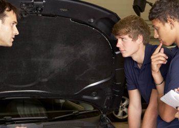 Saiba como treinar os seus funcionários mecânicos