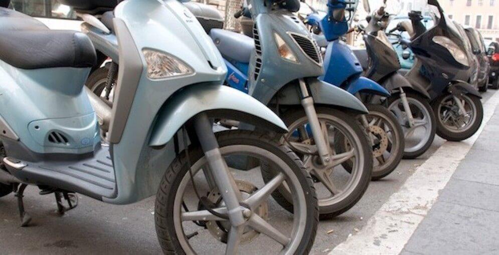 Dificuldades na partida a frio, falha na aceleração e marcha lenta da motocicleta