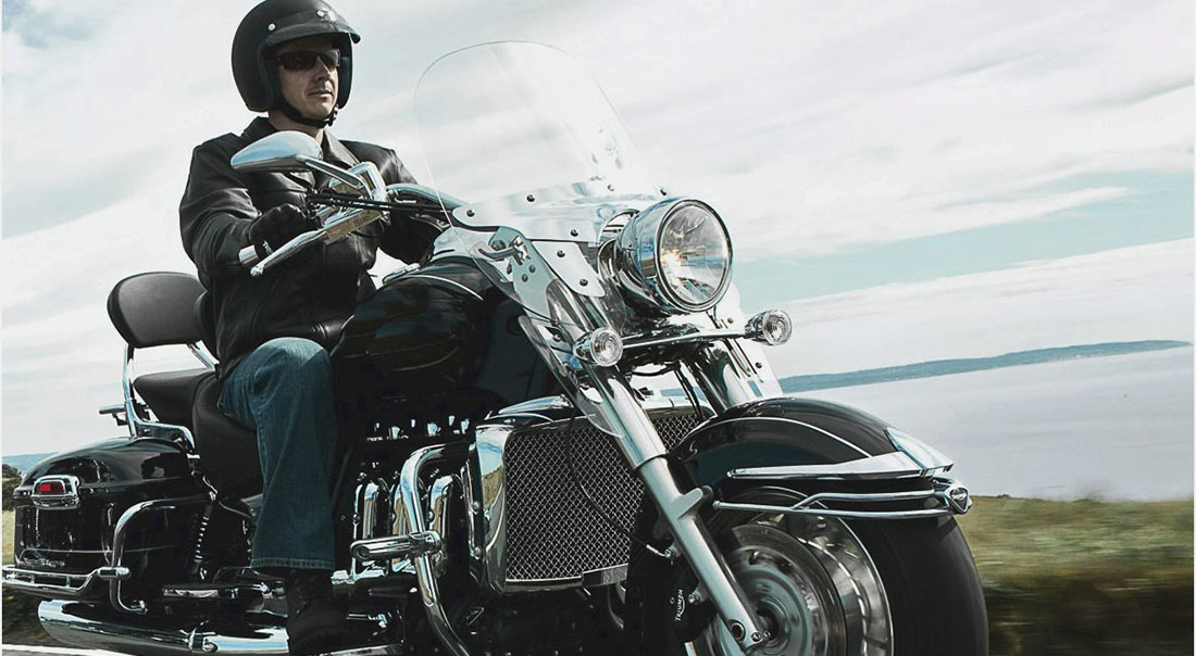 O que é preciso saber para viajar de moto com segurança