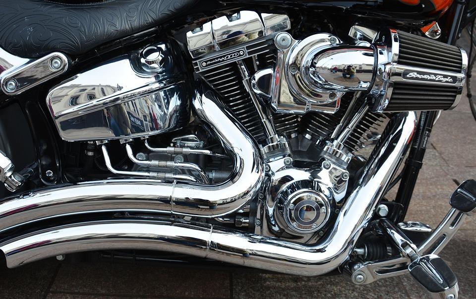 Como aumentar a potência do motor da motocicleta?