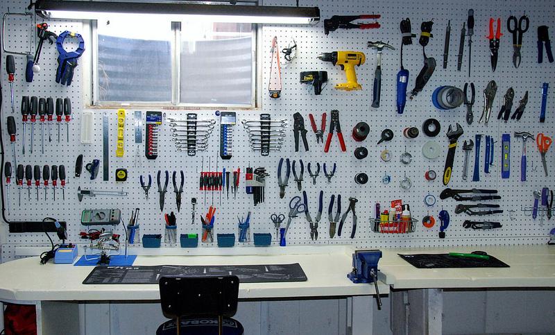 Organização de ferramentas em oficinas mecânicas