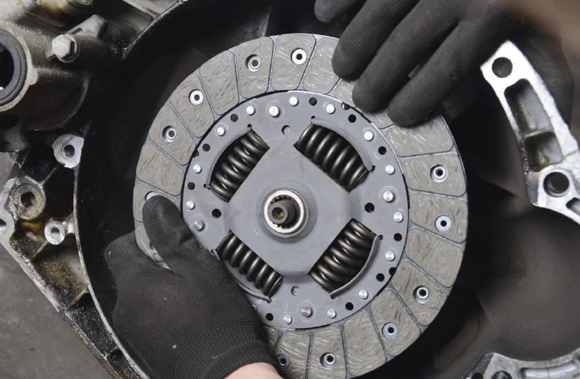 Entenda 4 possíveis problemas na embreagem do carro