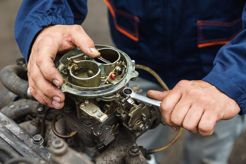 Moto com carburador ou injeção eletrônica: entenda a diferença!