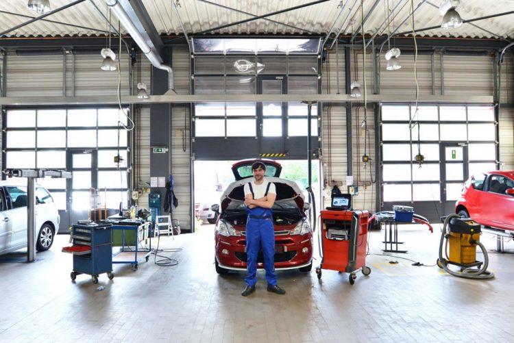 Saber como montar uma oficina mecânica.