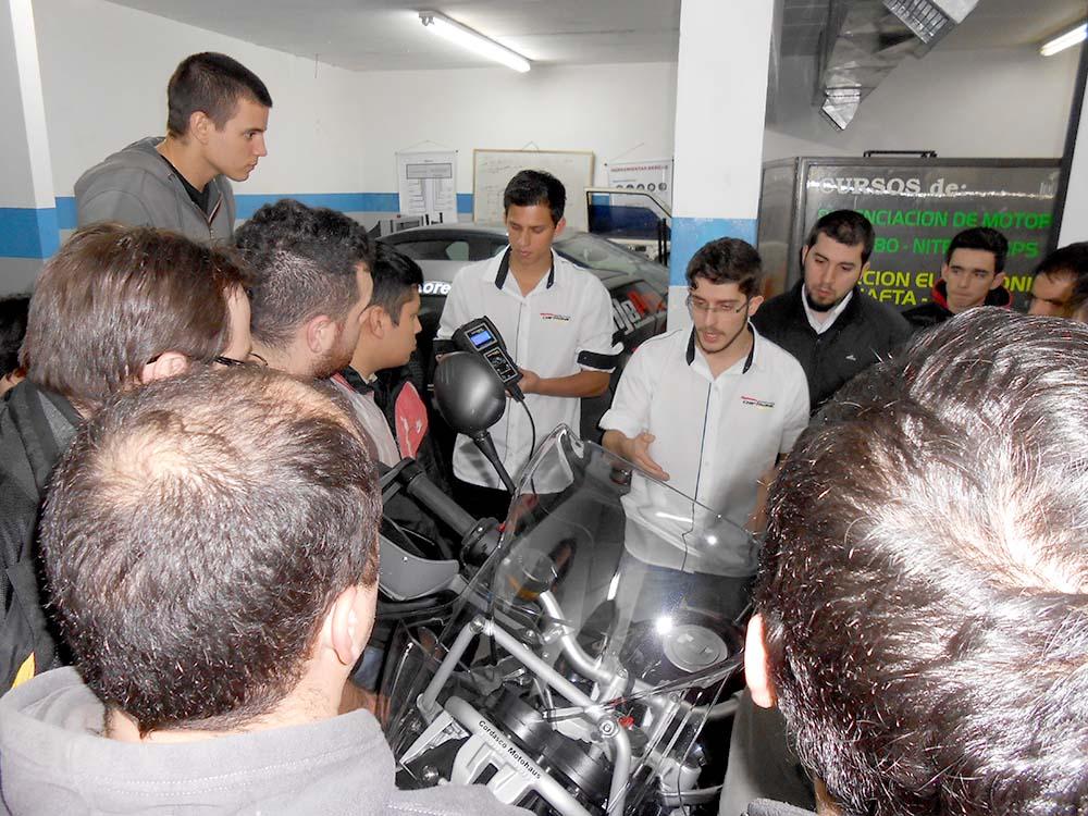 palestra-na-escuela-argentina